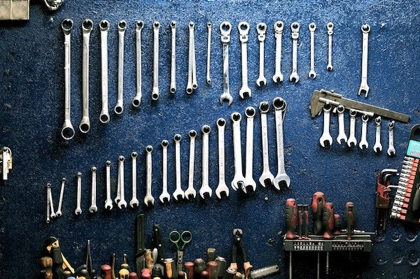 7 Most Essential Tools You Must Have for a Garage