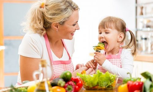 five-steps-to-make-sure-your-kids-eat-more-fruits-and-vegetables-800x571